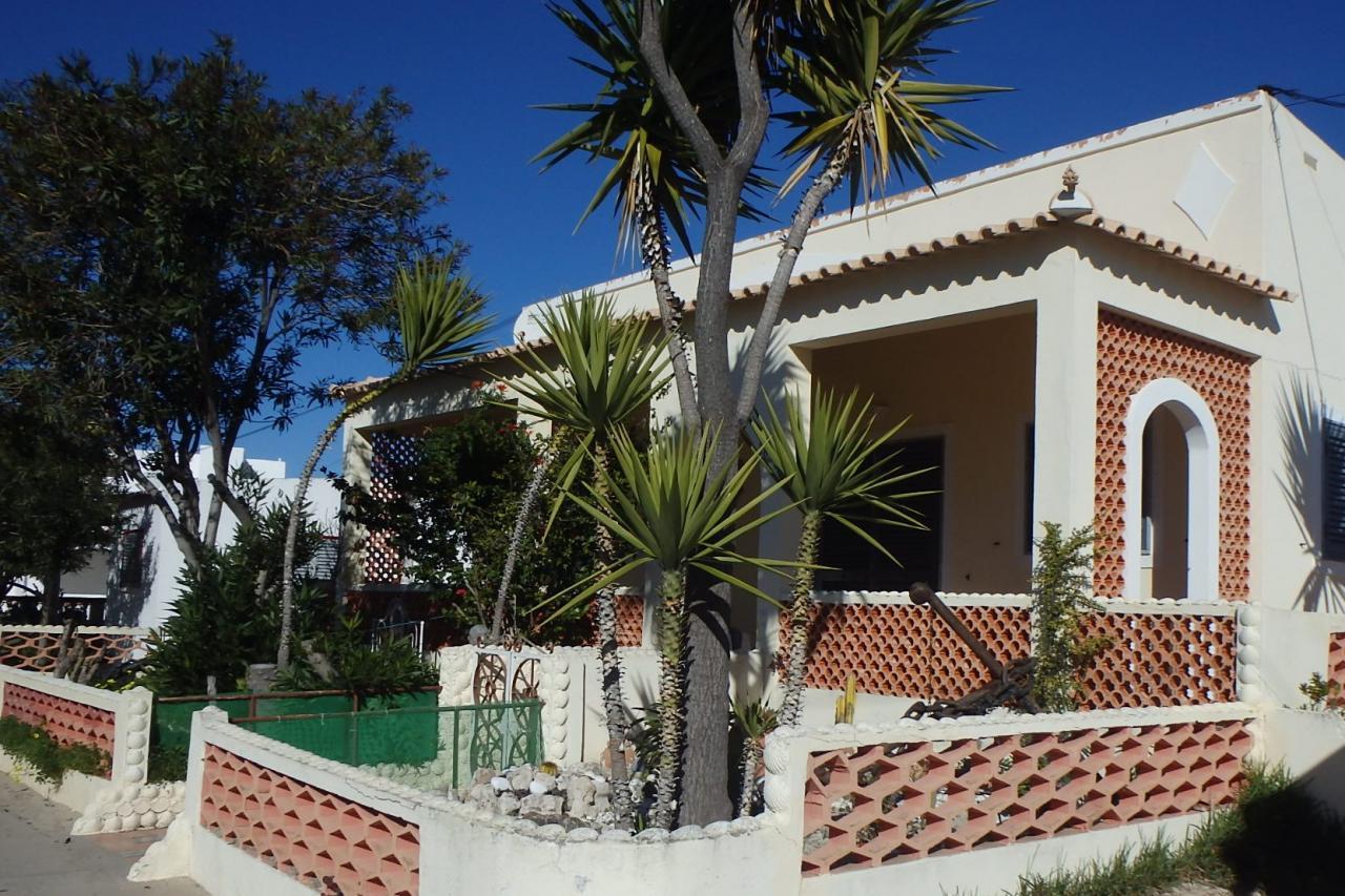 Armona : une maison typique avec sa grande terrasse