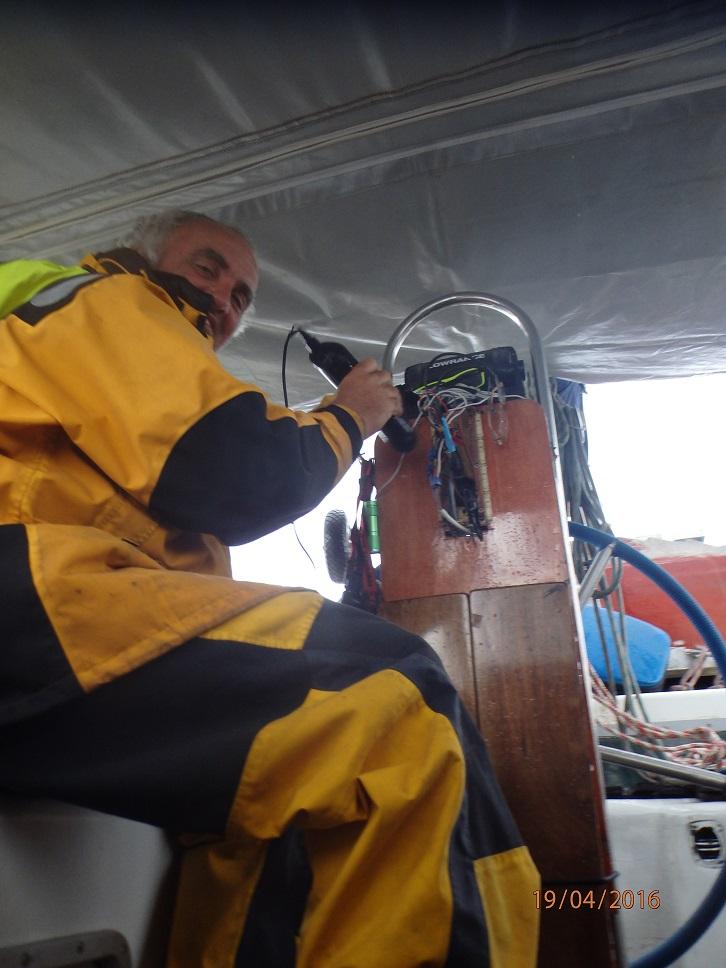 Thierry sèche le pilote et sa connectique