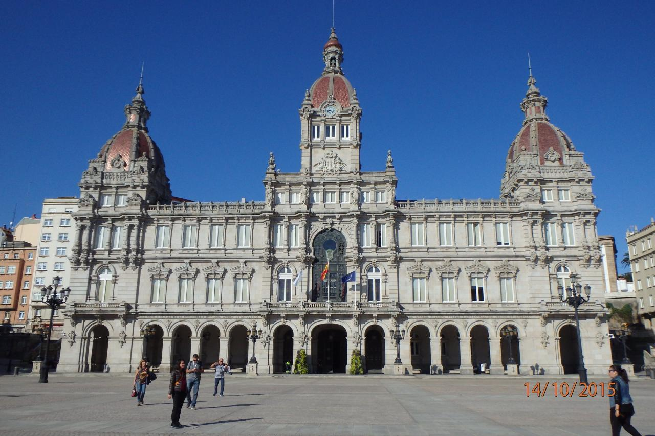 La mairie sur la grande place Maria Pita