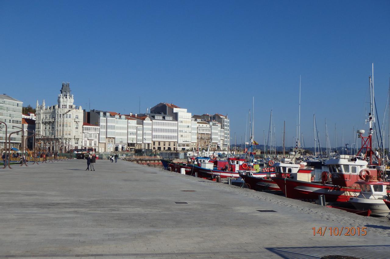 Le front de mer côté port