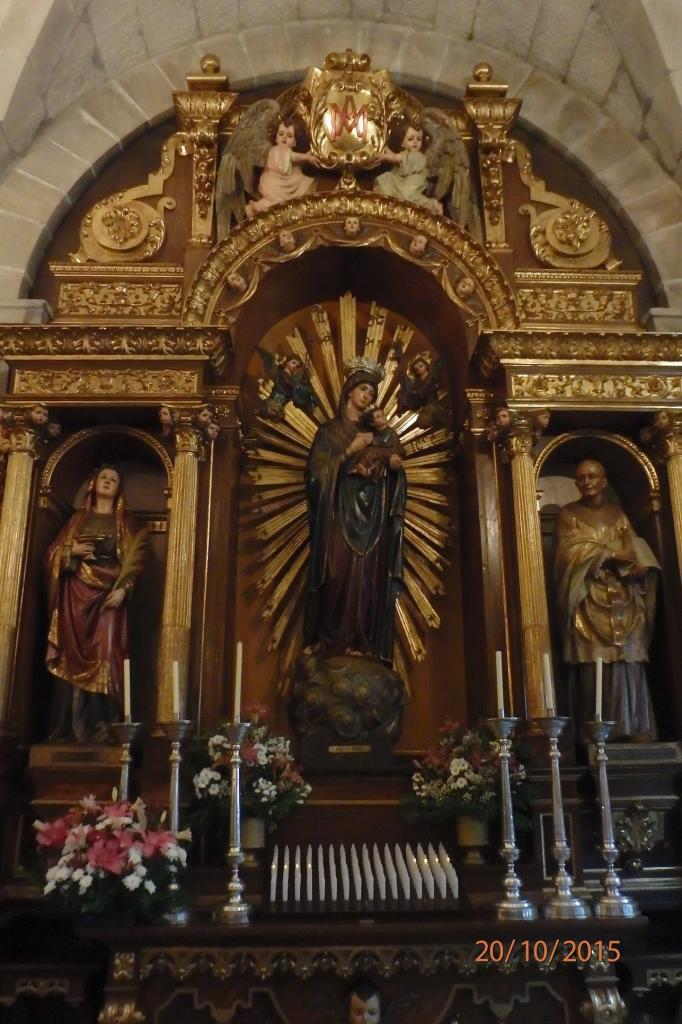 Eglise St Augustin : dorures sur bois sombre