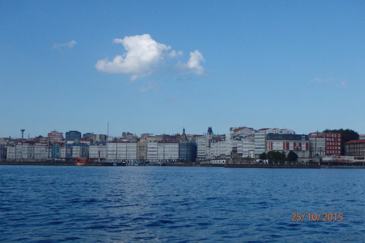 Le centre ville vu de la mer