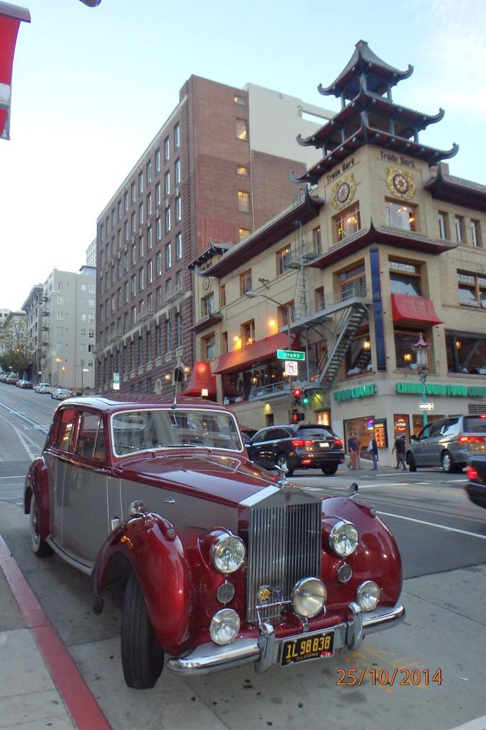 Une rolls à China Town