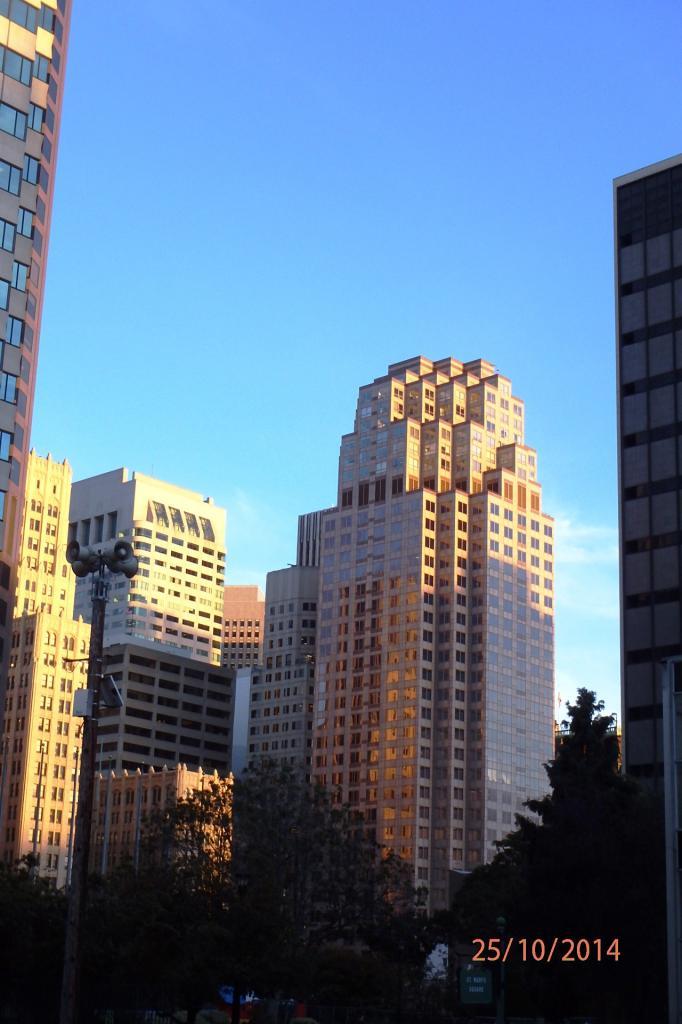 Couleurs du soir sur les buldings de la city à San Francisco