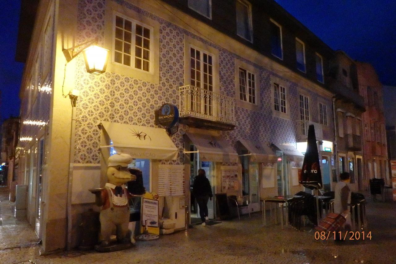 boutique dans une rue de la vielle ville