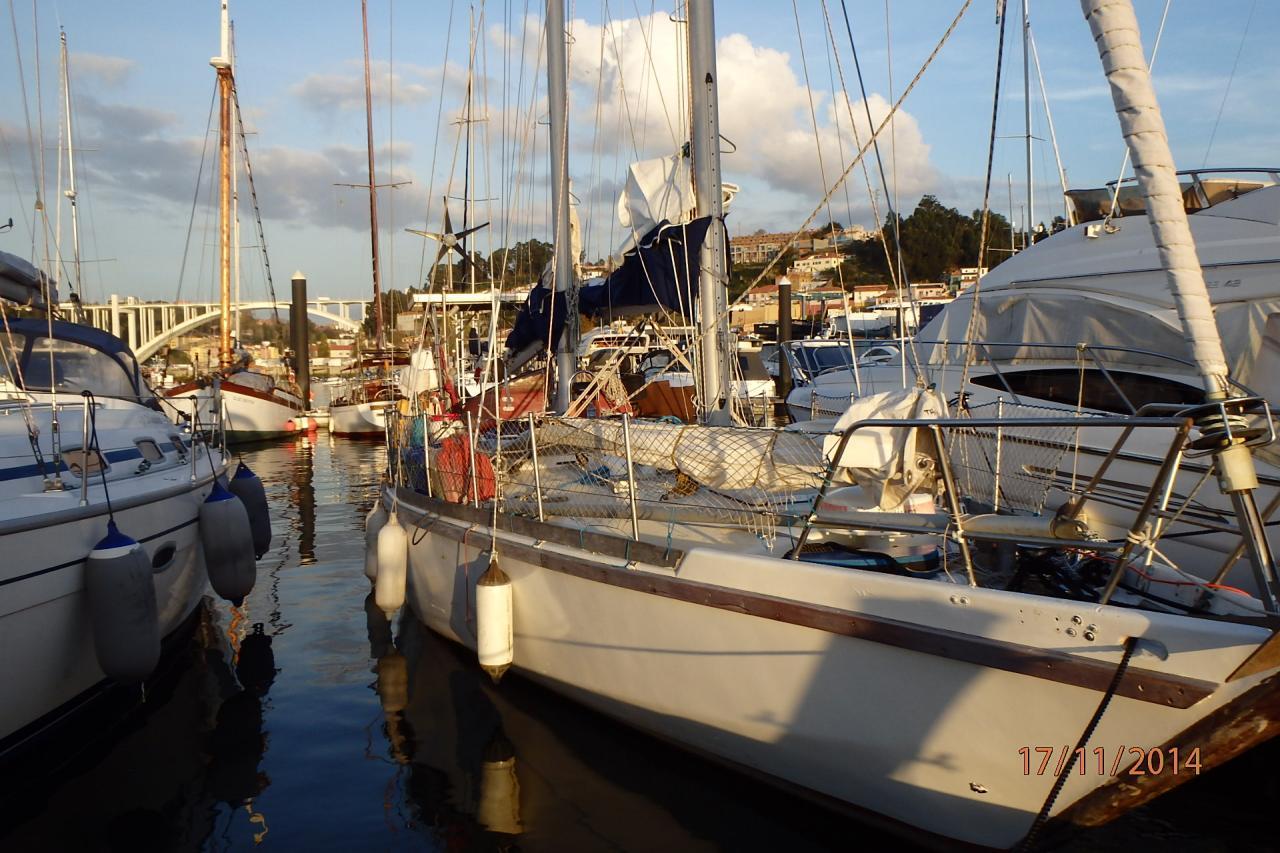 Lambarena à  la marina du Douro