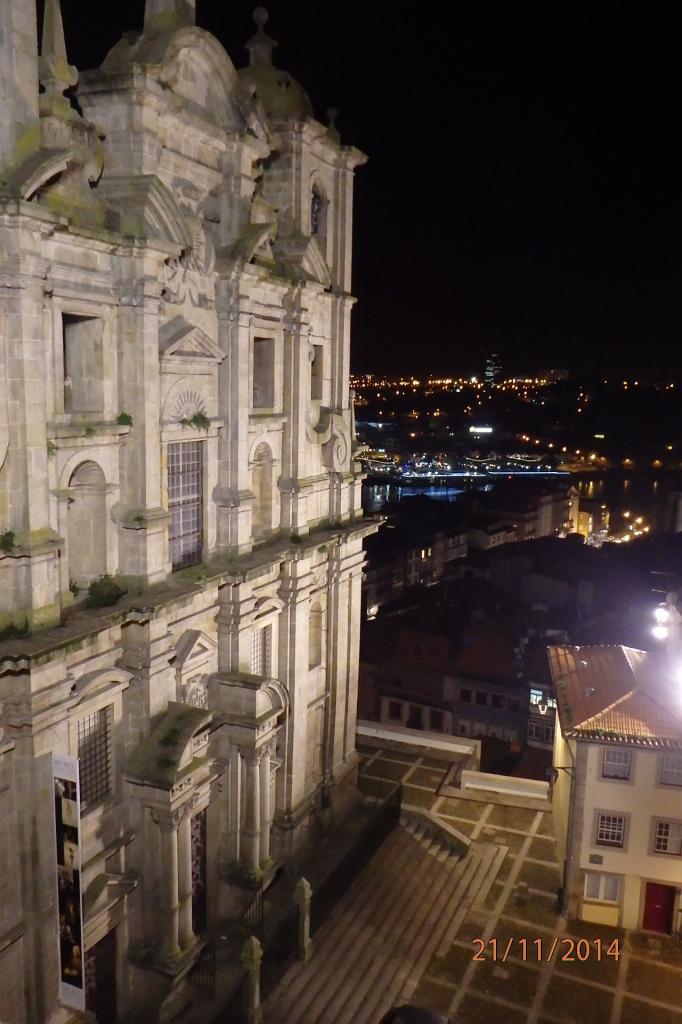 Porto :une église et le Douro en contrebas