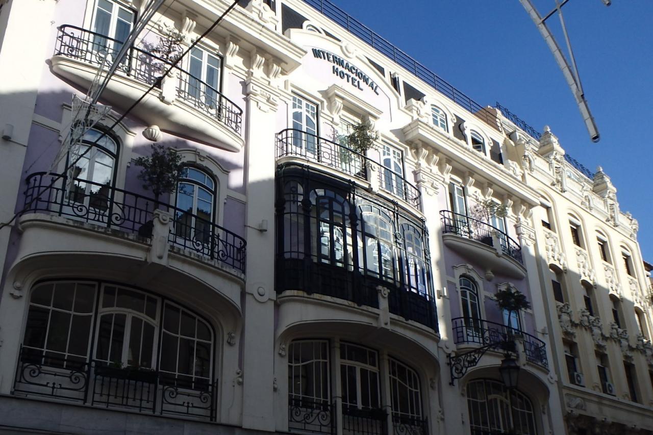Lisbonne : rue piétonne commerçante