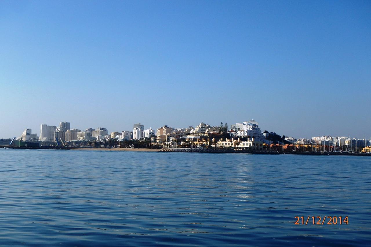 Portimao vu de l'autre côté de la baie