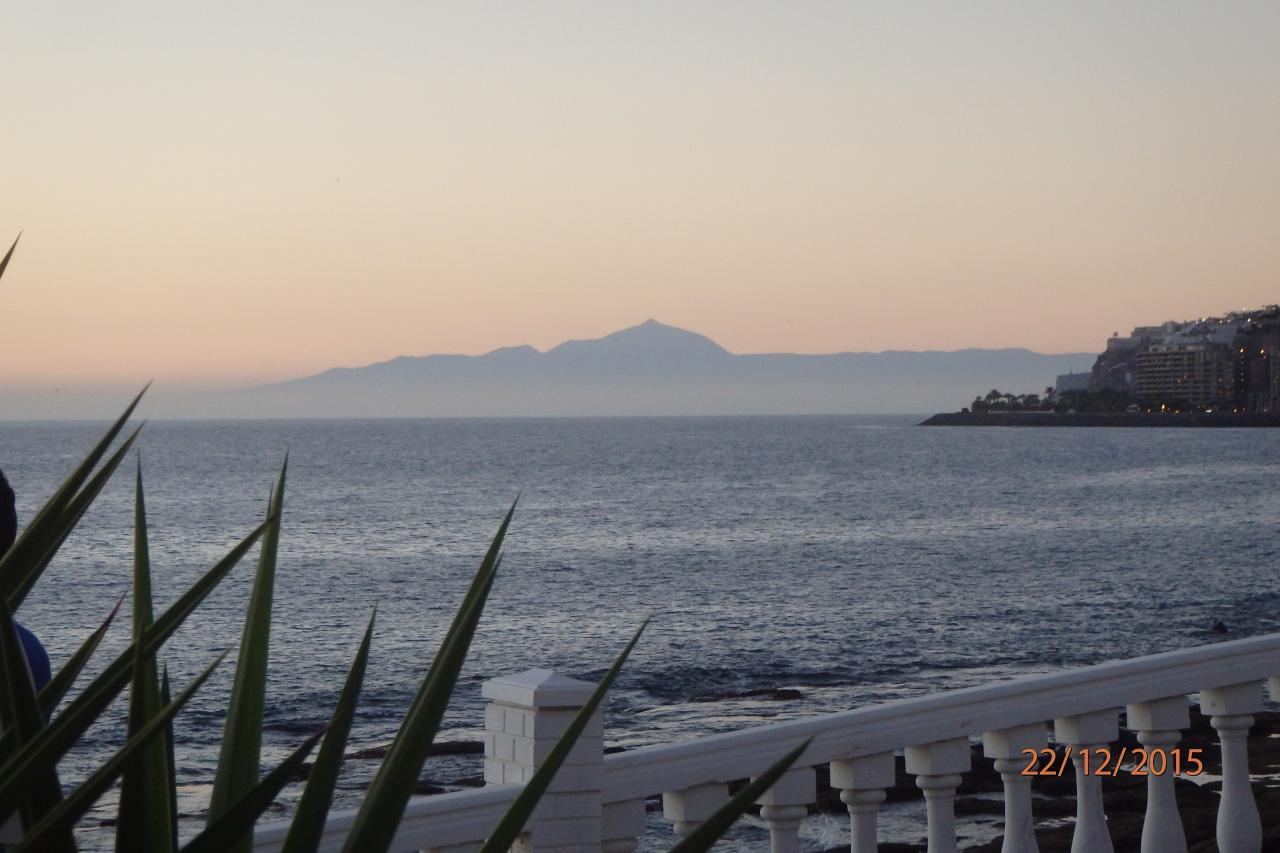 Tenerife au loin