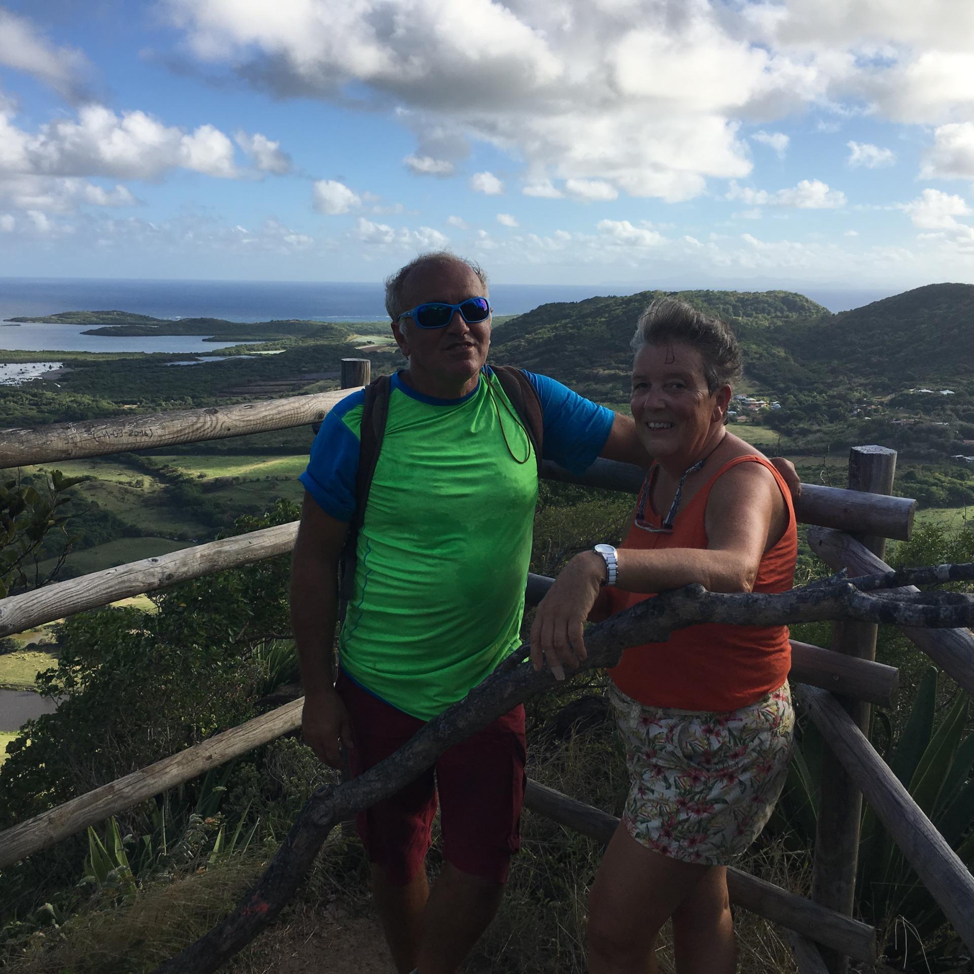 Thierry et Cath au sommet du mont Crève-coeur