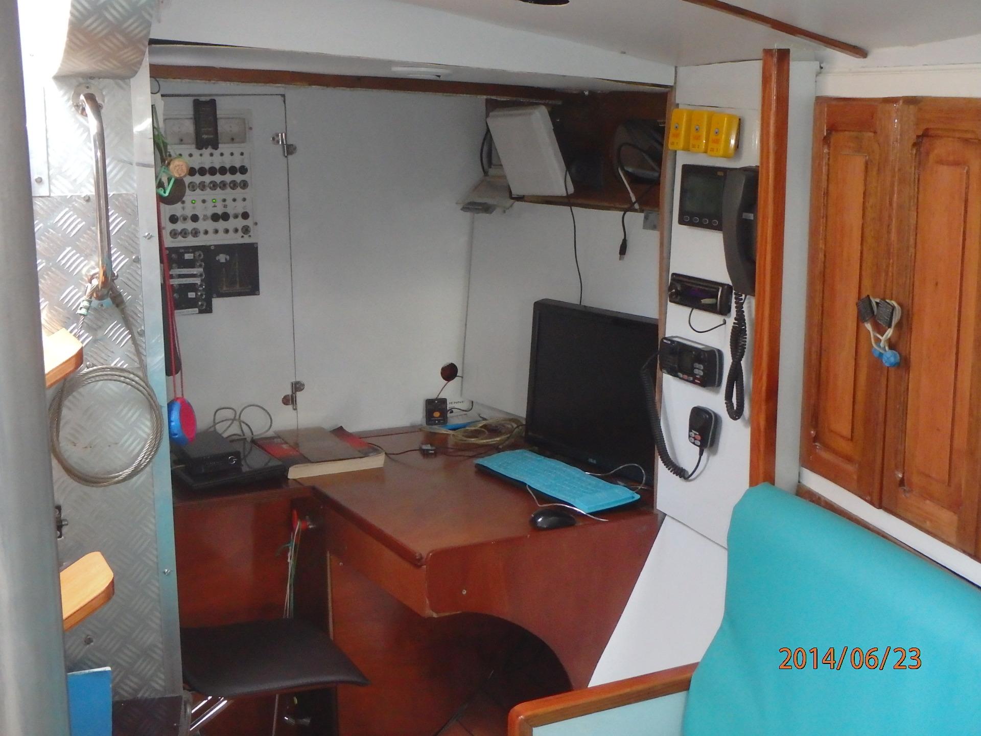 L'espace table à cartes sur tribord